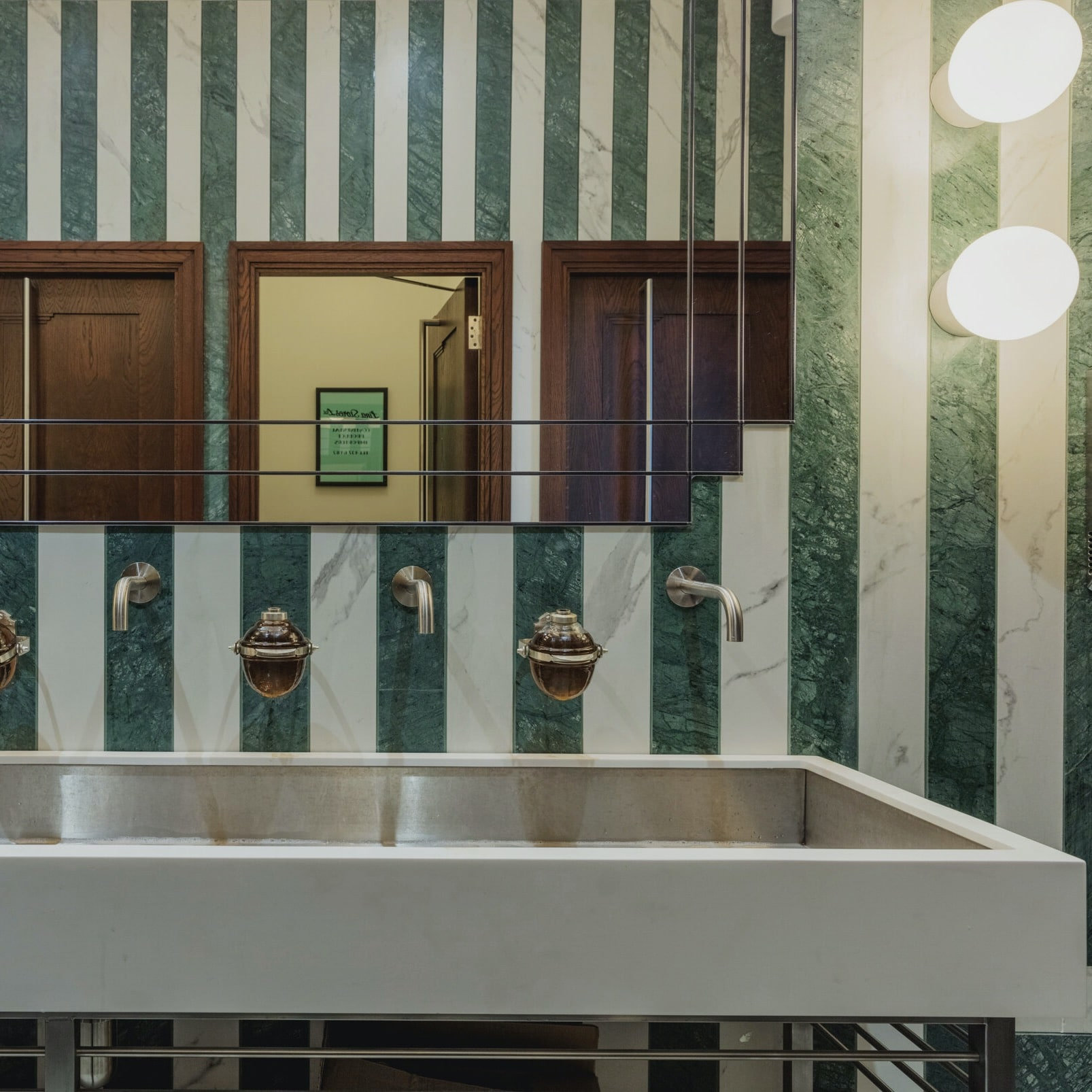 trainspotters-lighting-projects-lina stores-london-03